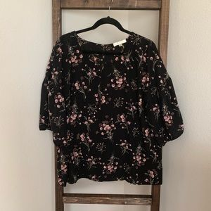 Bell Sleeve Blouse (XL)